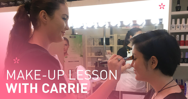 Make-up lesson with Carrie